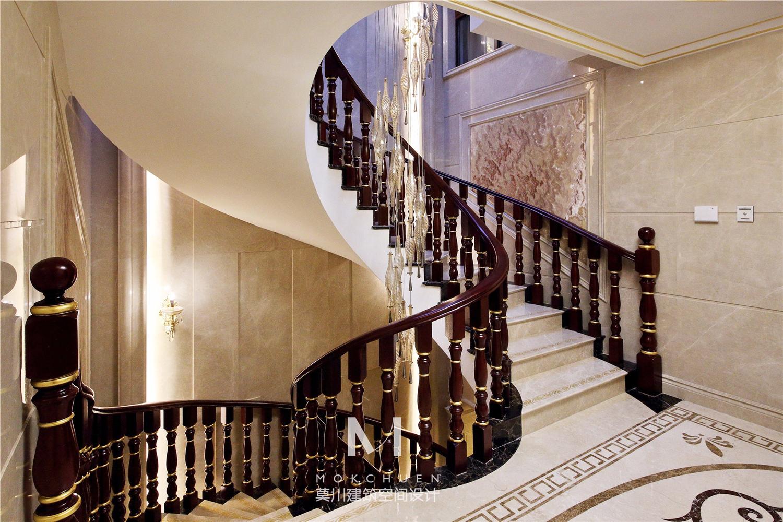 奢华欧式别墅楼梯装修效果图