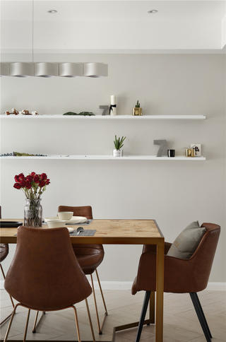 现代简约三居装修餐桌椅设计