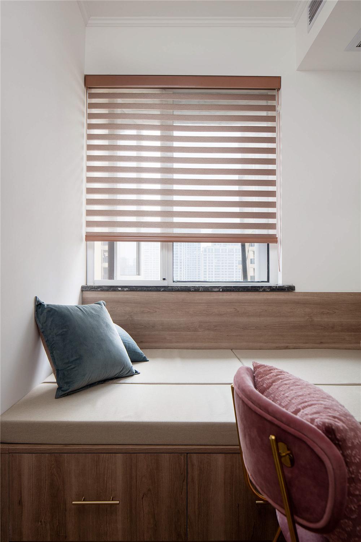 128平米三居室装修榻榻米设计
