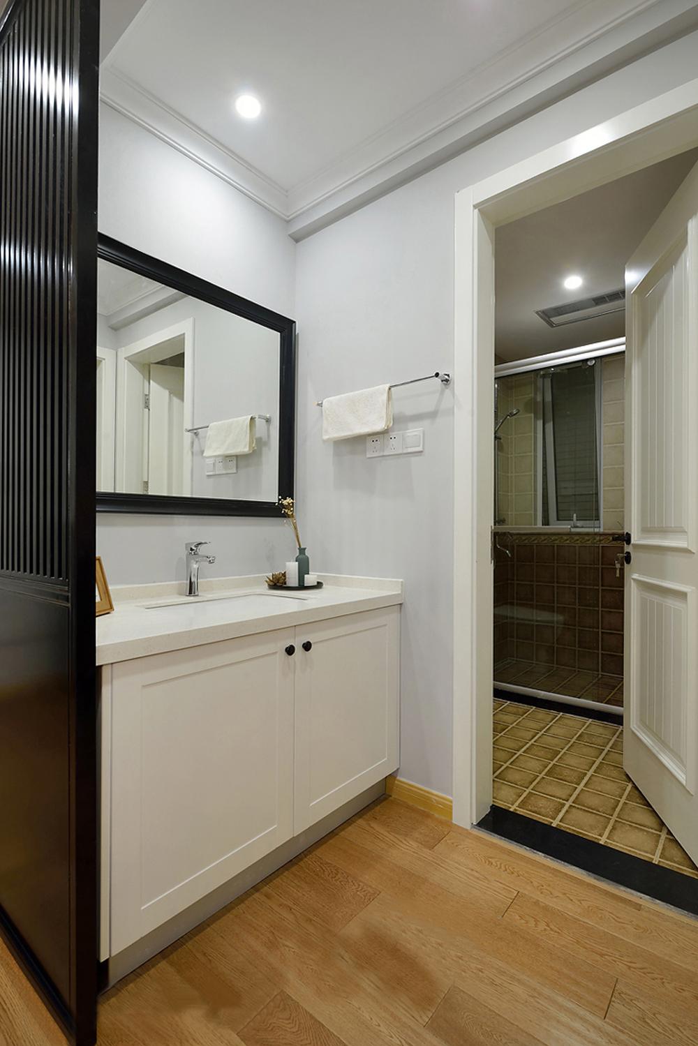简美风格两居卫生间装修效果图