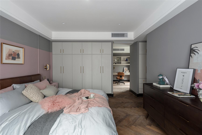 混搭风格四居卧室装修效果图