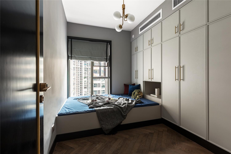 混搭风格四居室榻榻米卧室装修效果图
