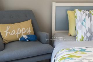 80平二居室装修床头沙发椅设计