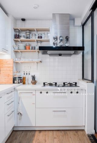 北欧风二居厨房每日首存送20