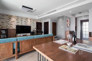 130平三居室客厅装修效果图