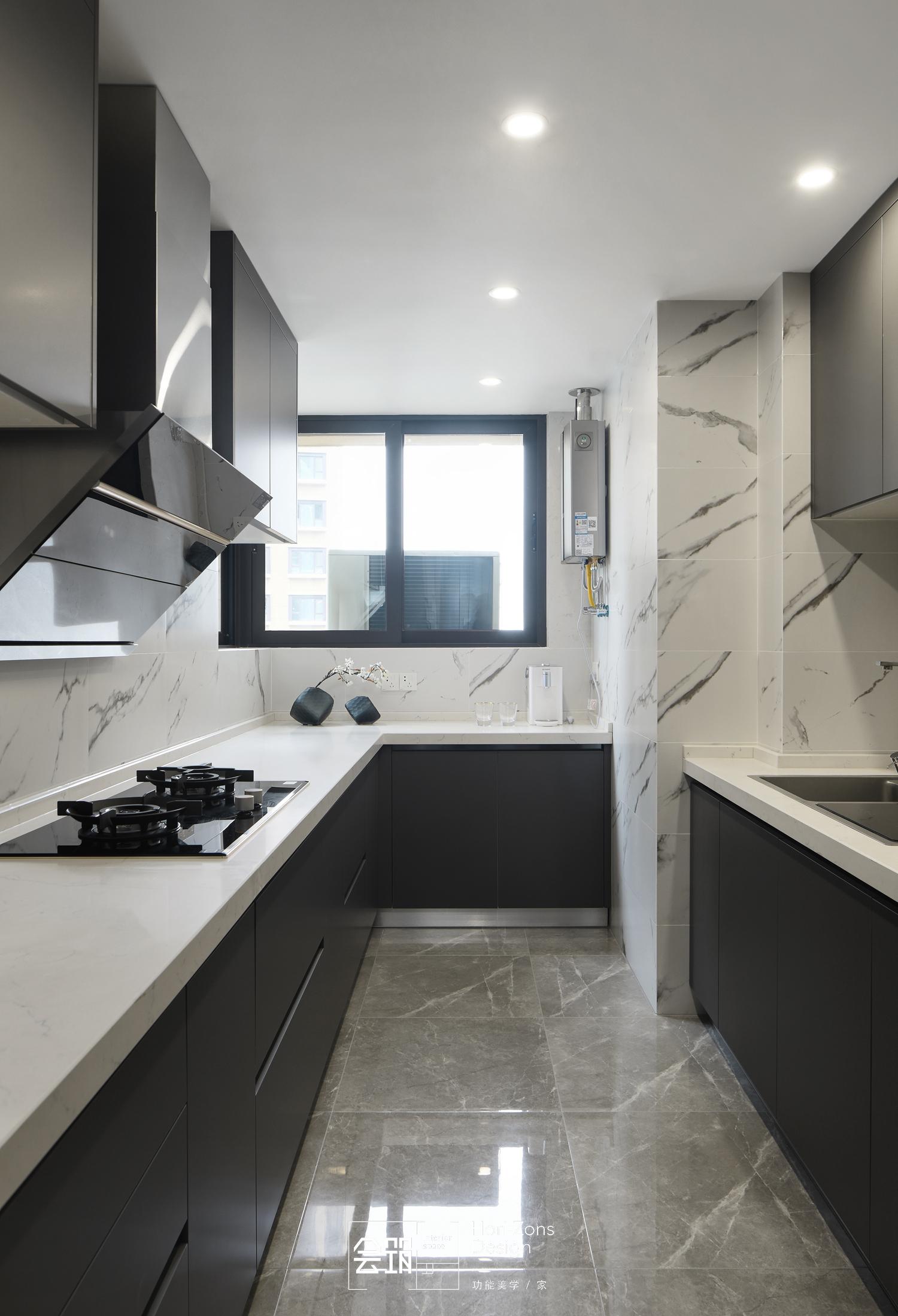 现代简约风四房厨房装修效果图