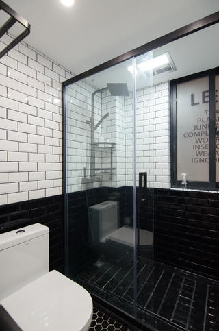 65平米一居室卫生间装修效果图