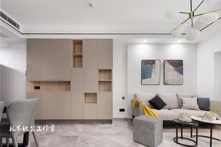 89㎡现代简约三居装修收纳展示柜设计