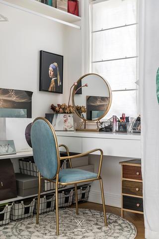休闲北欧风两居装修梳妆台设计