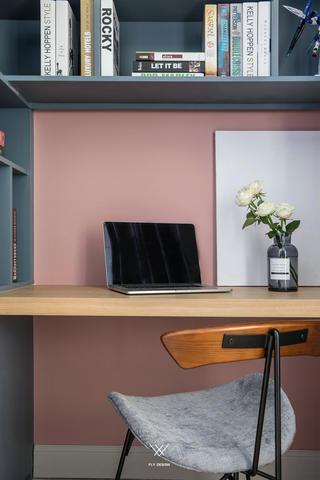 89㎡休闲北欧风装修书桌椅设计