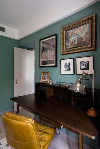 110平米二居室装修书桌设计图