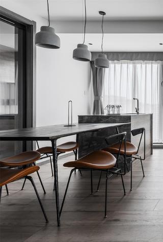 146m²轻工业风装修餐桌椅设计