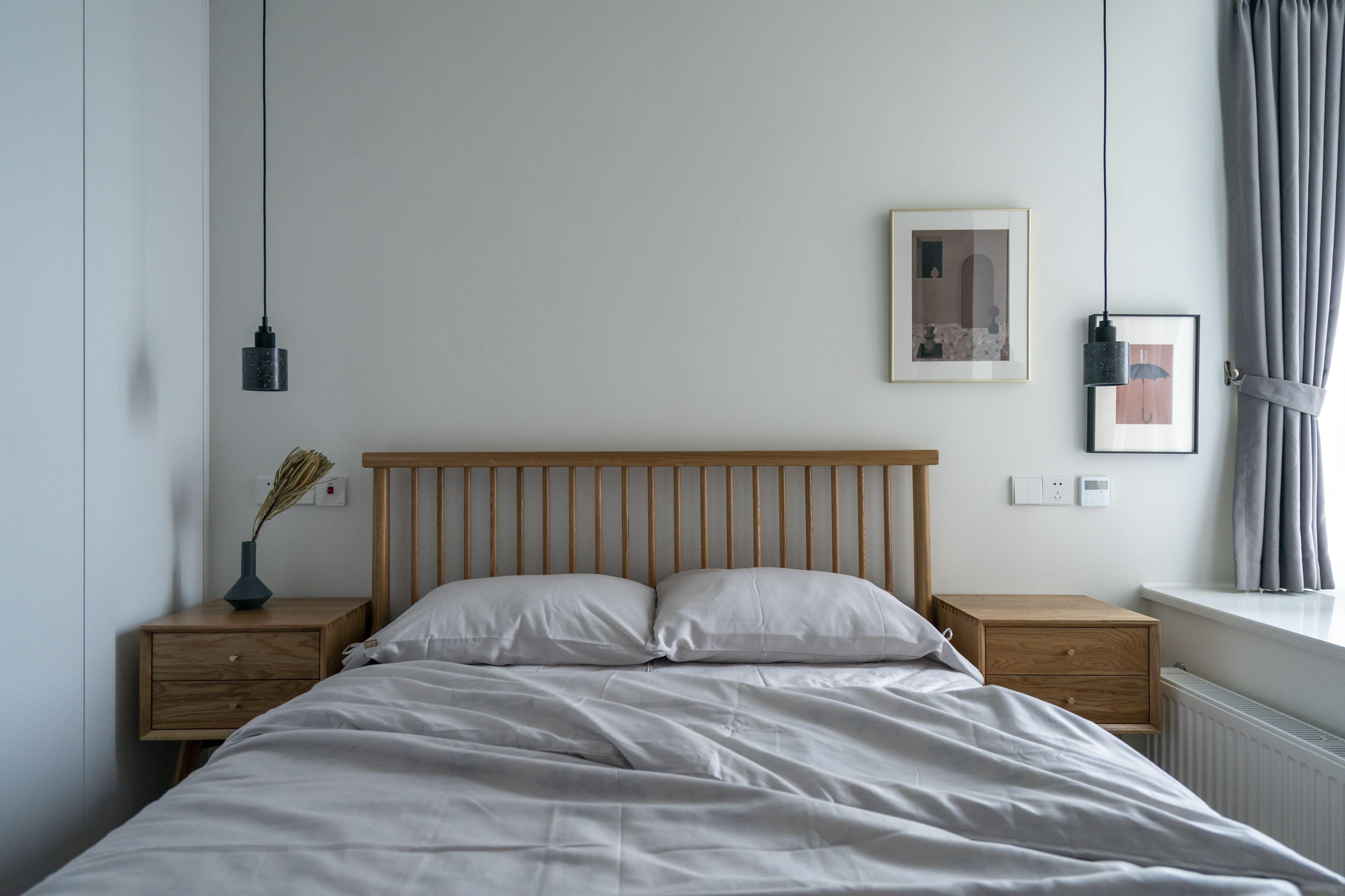 69平米二居卧室装修效果图