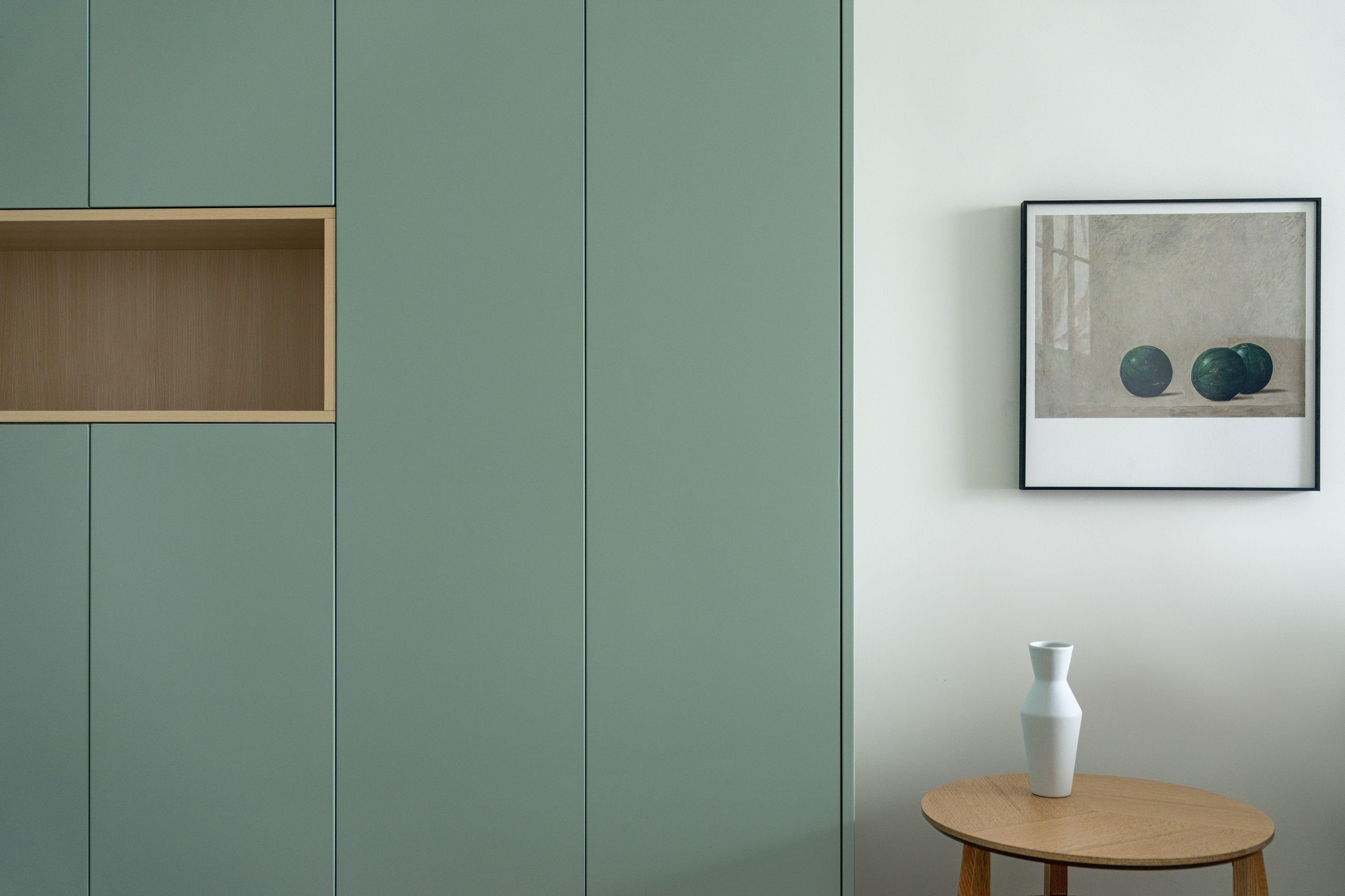 69平米二居室装修储物柜设计