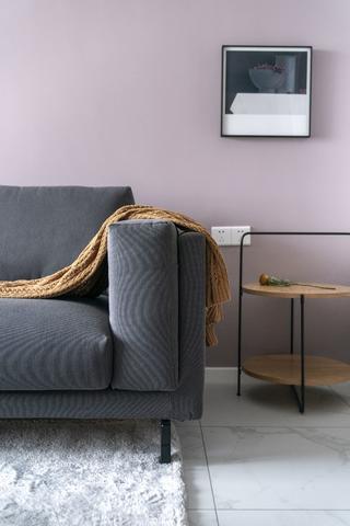 69平米二居室装修沙发一角