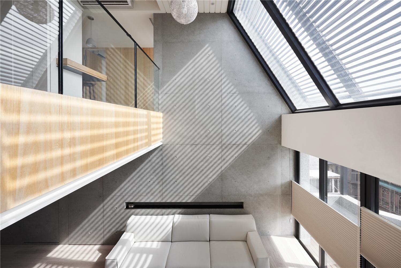 复式现代风沙发背景墙装修效果图