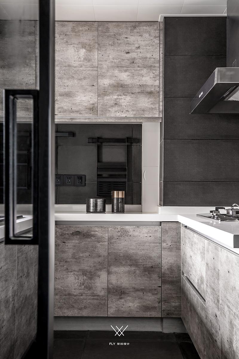 台式现代风厨房装修效果图
