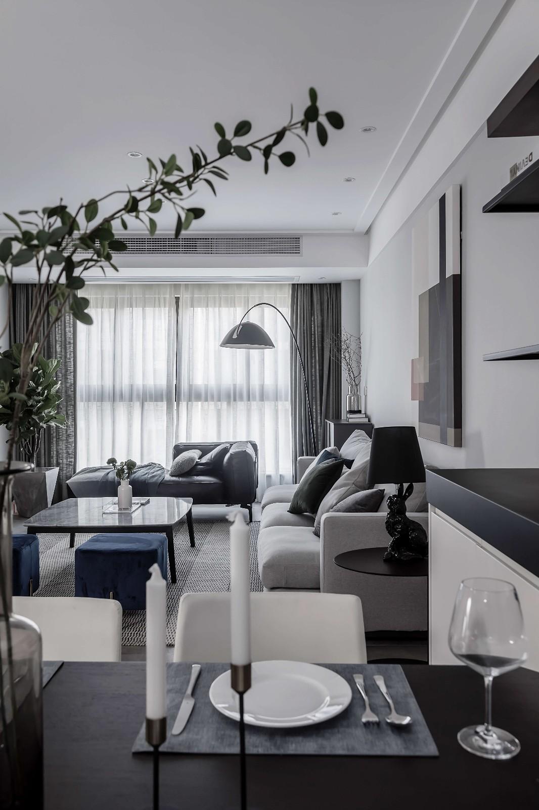 现代风格四居客厅装修效果图