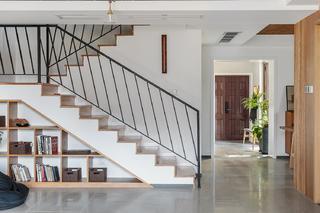 复式木质简约风楼梯装修效果图