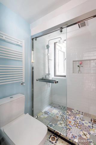 105㎡混搭三居室卫生间装修效果图