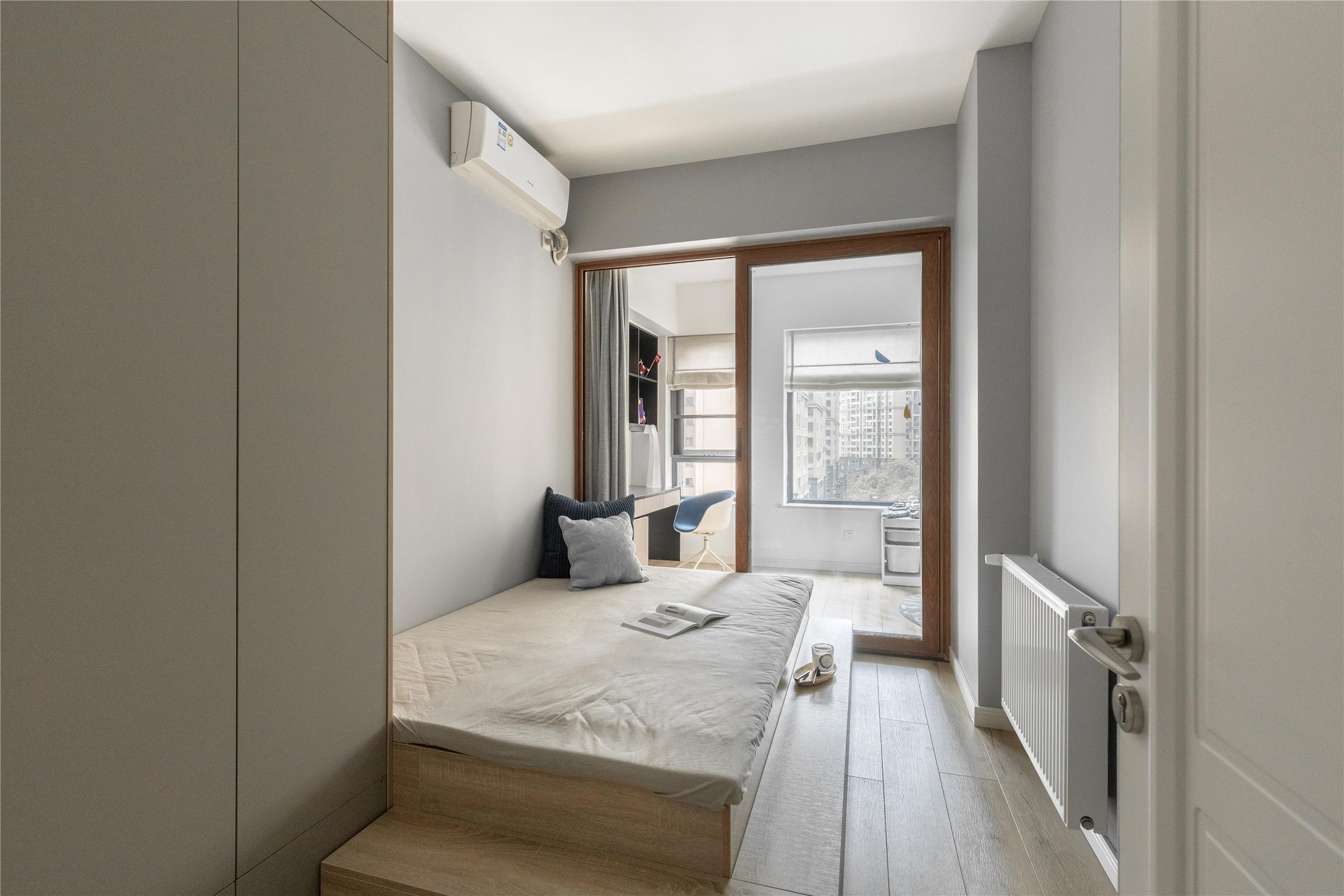 115㎡三居室装修地台床设计