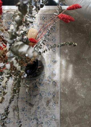 89㎡轻奢两居室装修地毯特写