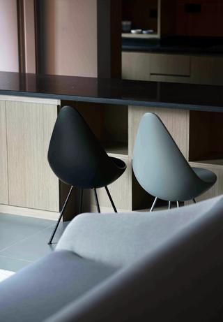 150㎡三居室装修吧台椅设计