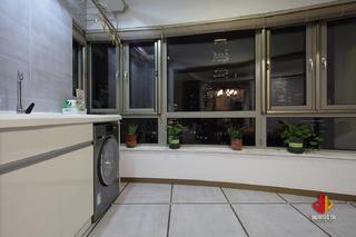 现代简约三居阳台装修效果图