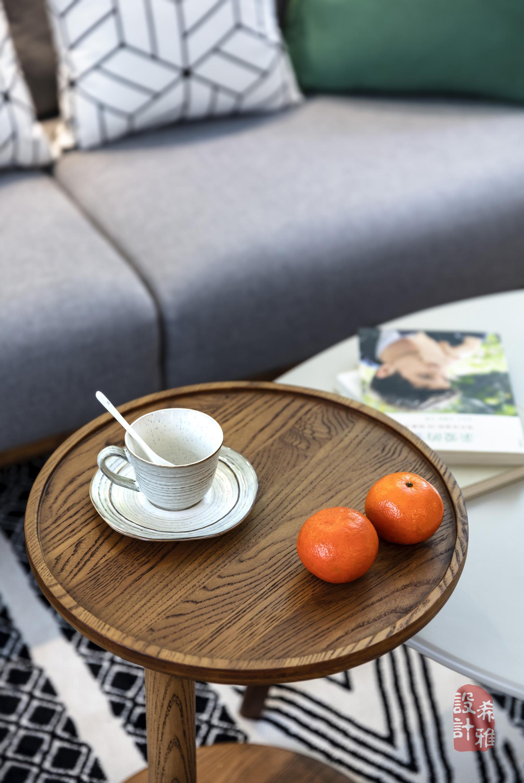 北欧风格三居室装修茶几特写