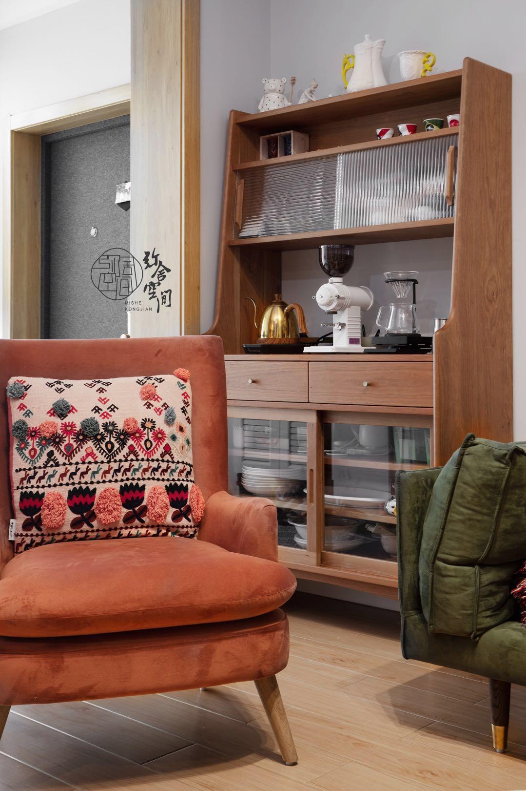 96平米三居室装修沙发椅设计