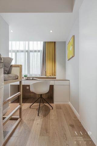 140平米三居室装修儿童房书桌设计