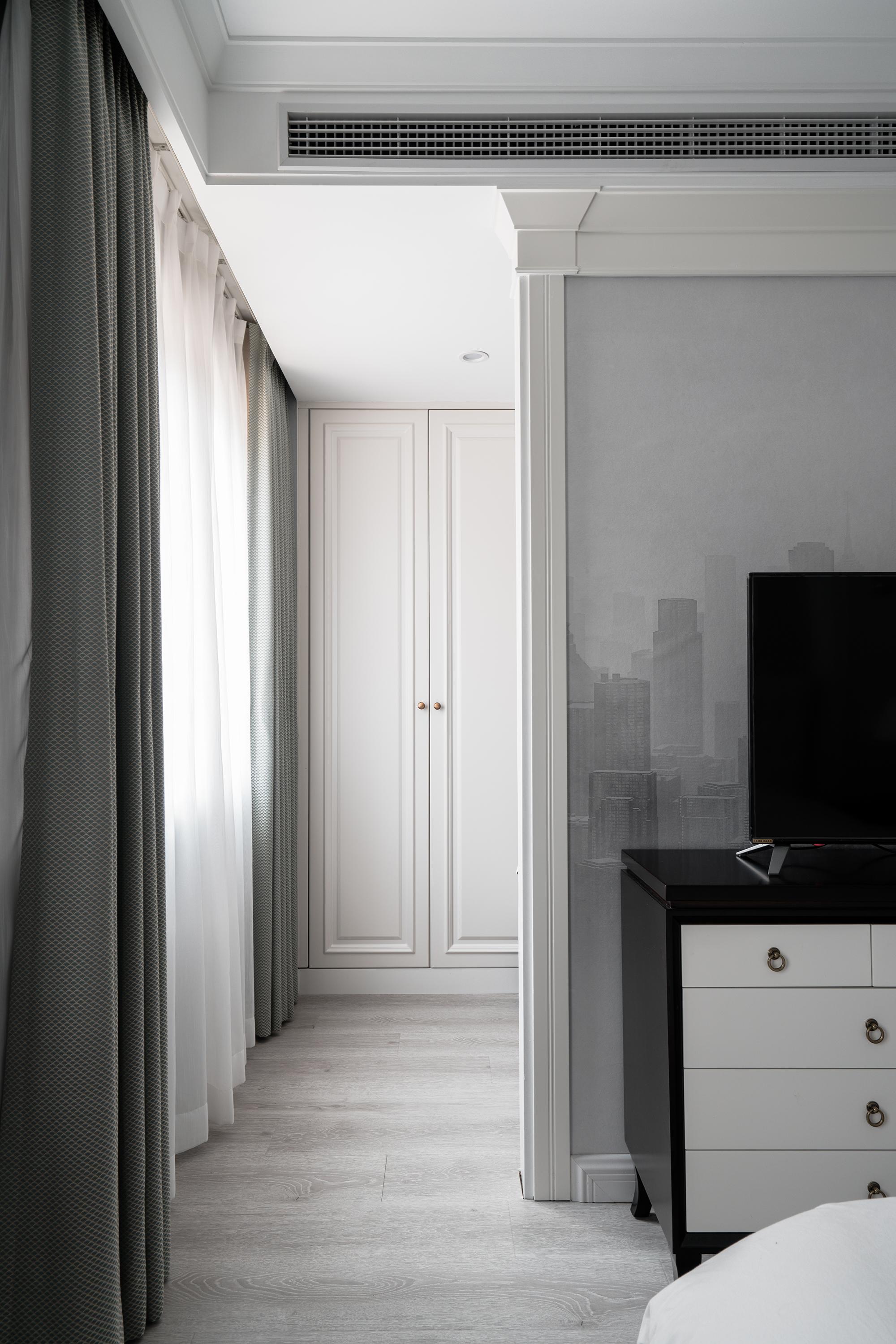 美式风格别墅装修卧室衣帽间设计