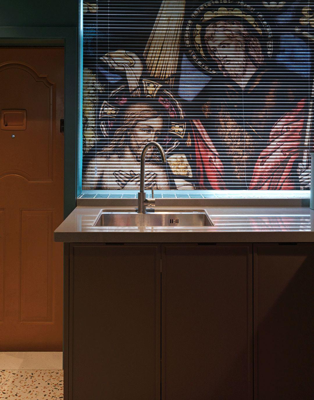 小户型一居室装修百叶窗帘设计