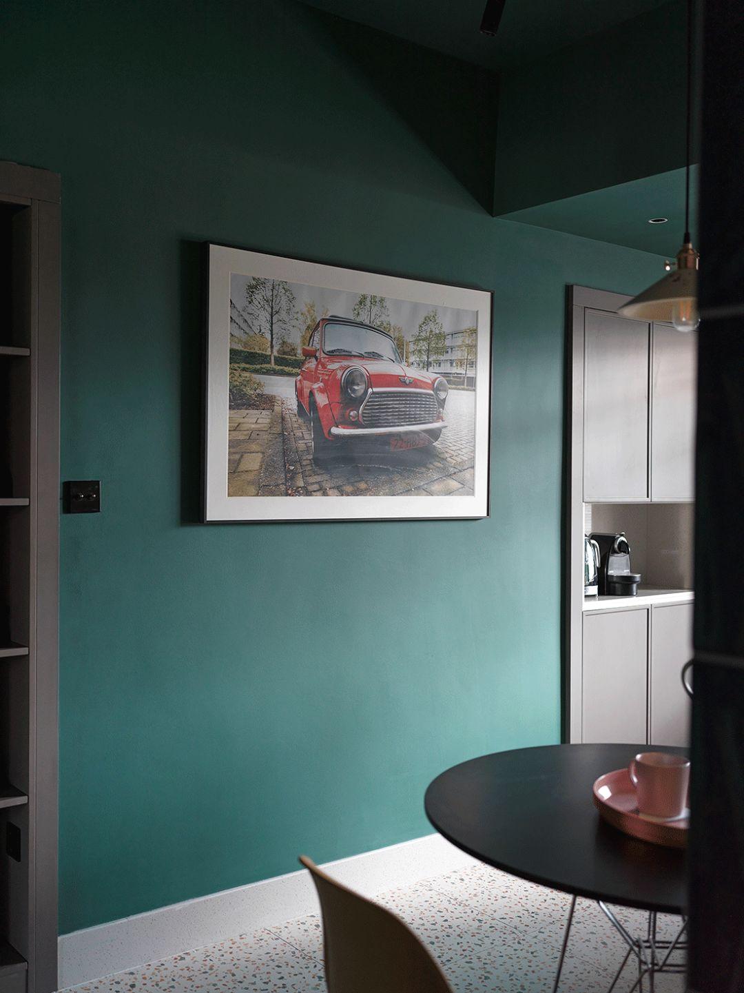 小户型一居室装修挂画设计