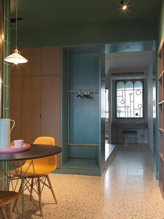 小户型一居室装修储物衣柜设计