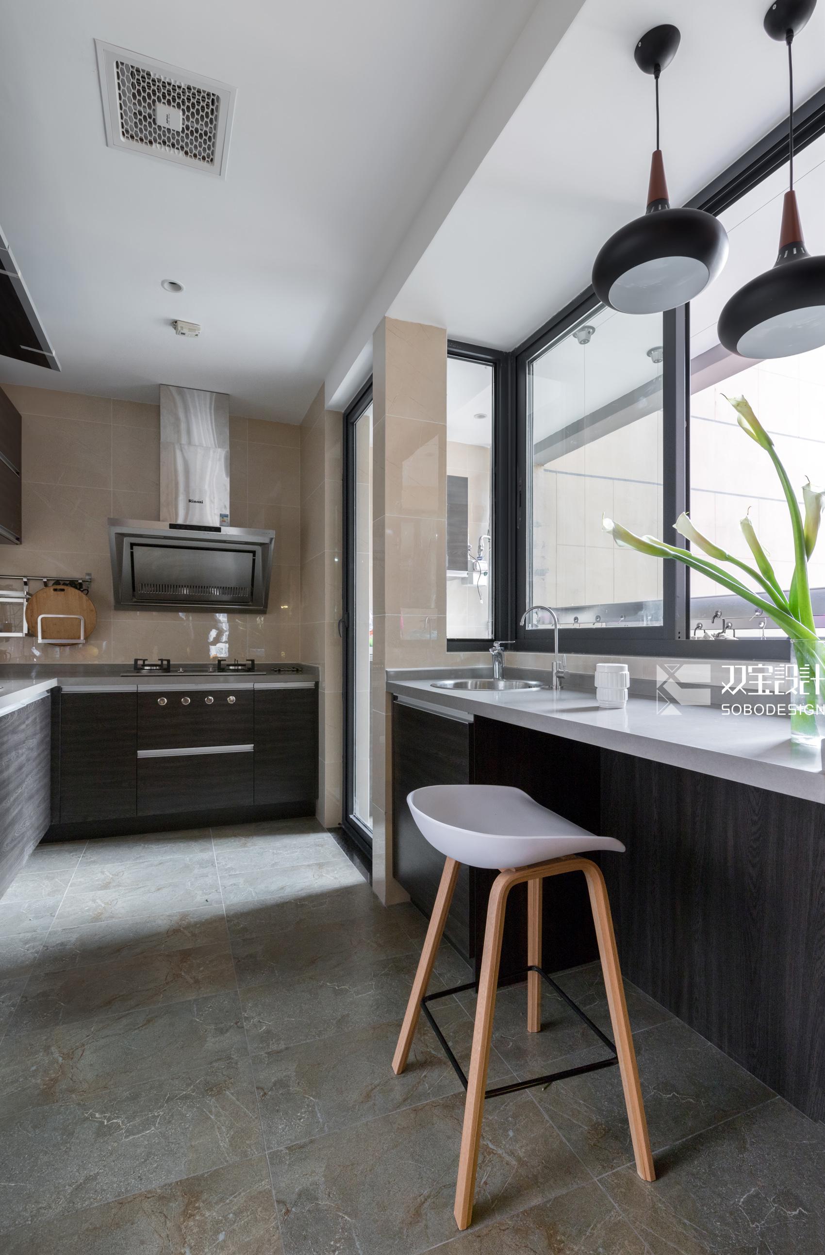 146平现代风厨房装修效果图