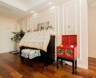 美式风格三居装修钢琴区设计