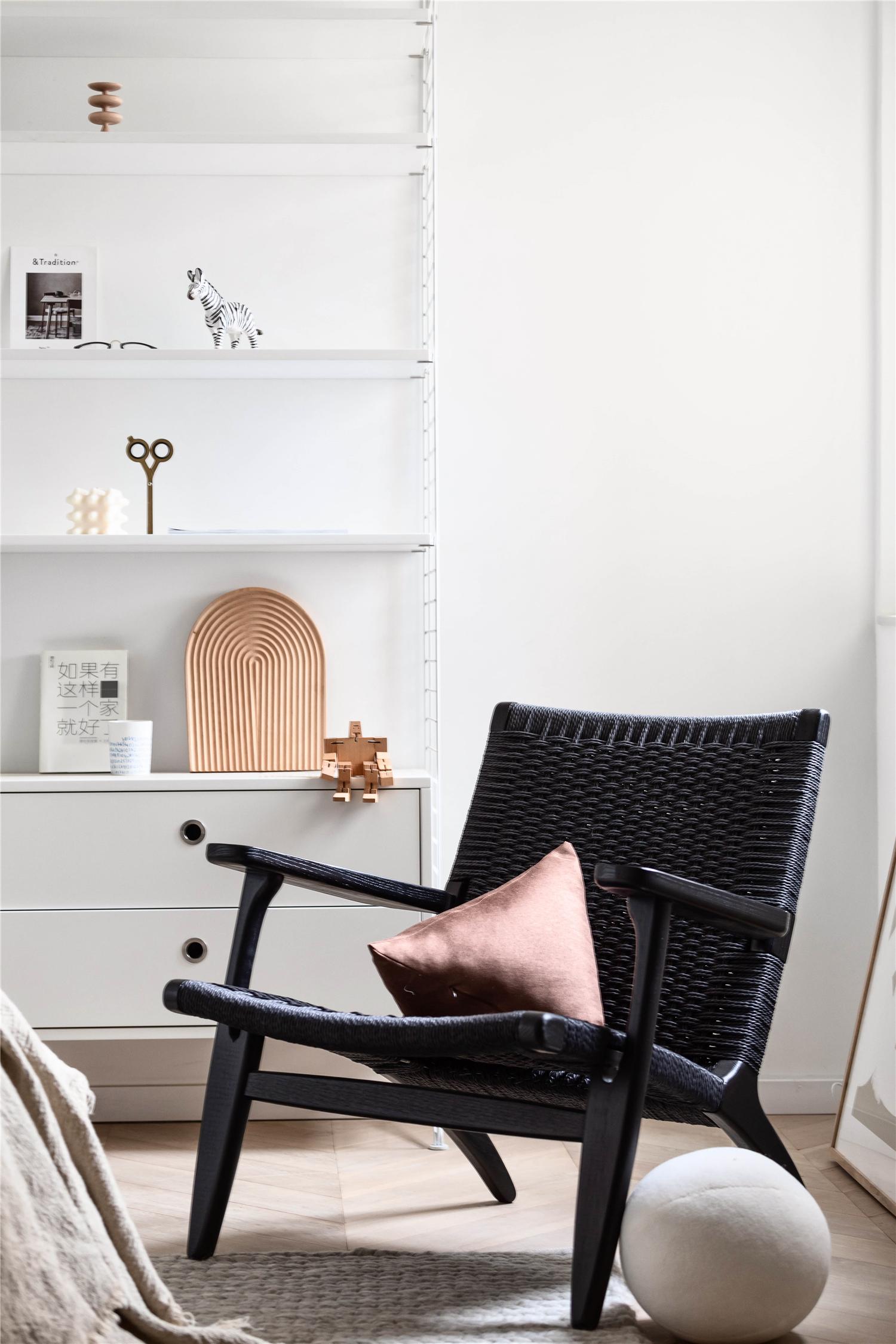 55㎡小户型两居装修躺椅设计