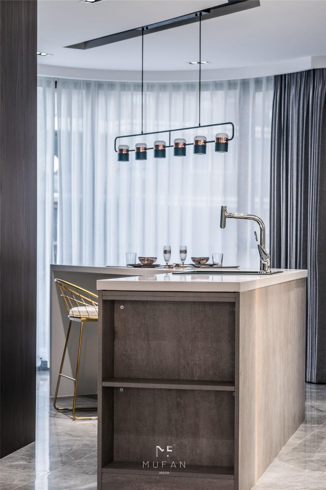 146㎡现代三居室餐吧台装修效果图