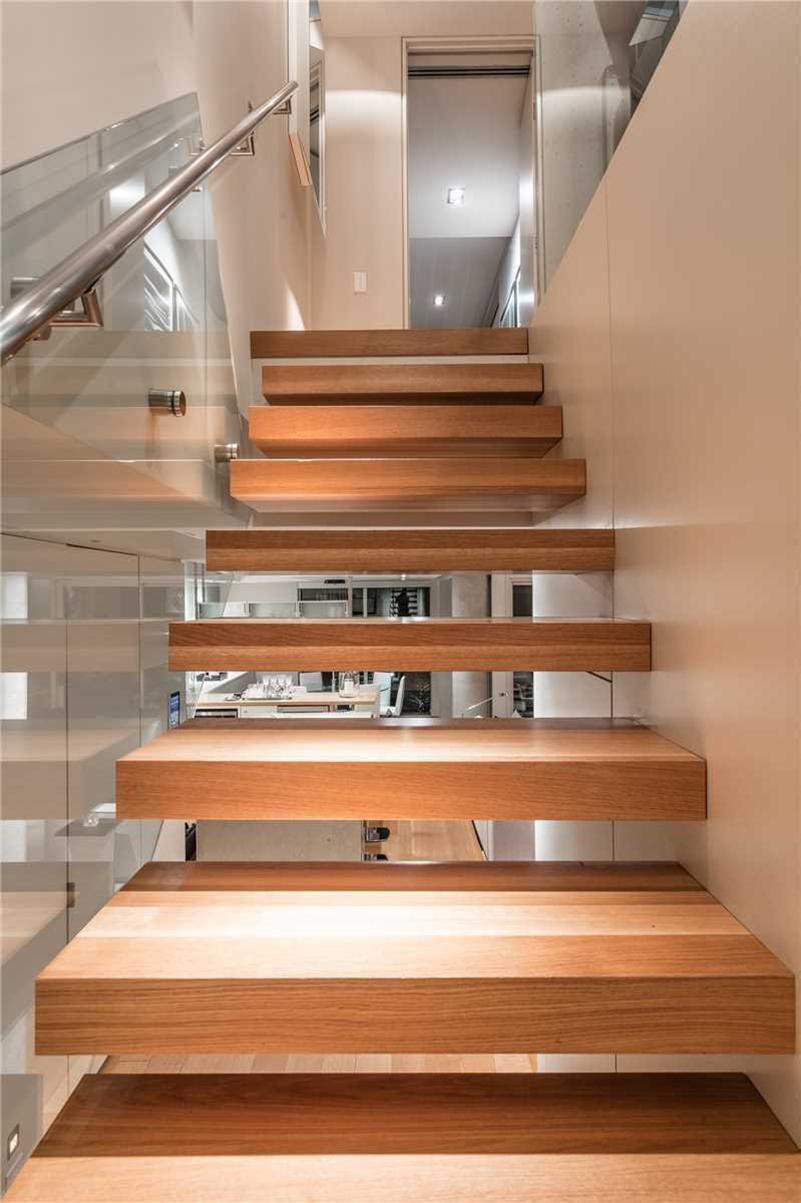 190㎡现代风格楼梯装修效果图