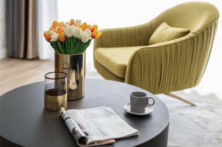 115㎡混搭三居装修黄色沙发椅设计