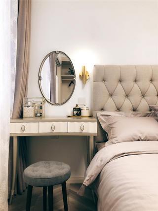 现代简约混搭两居装修梳妆台设计