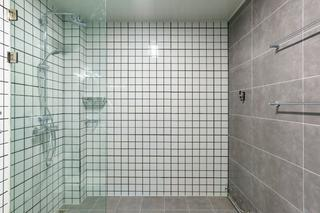 125平混搭风格淋浴房装修效果图