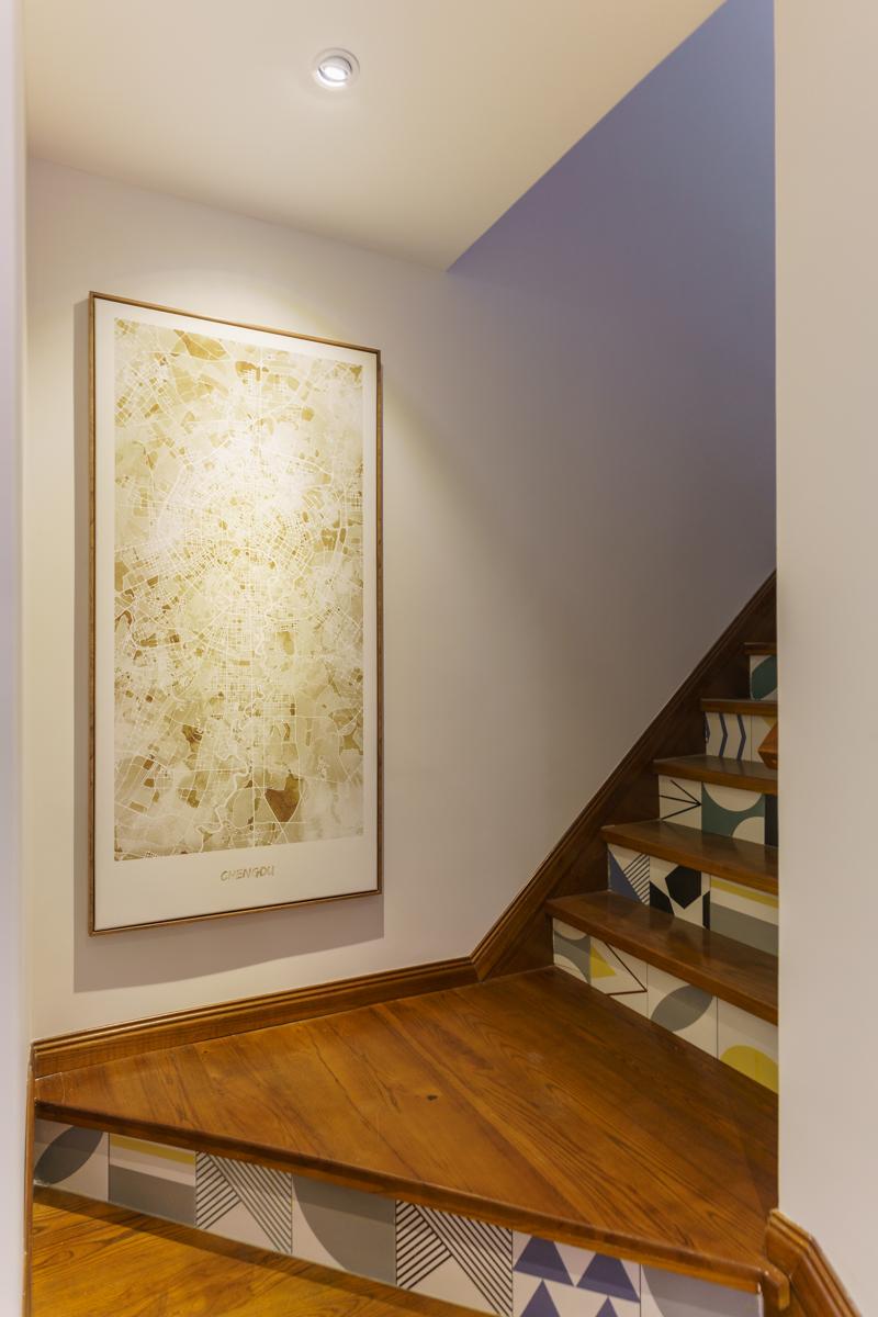 125平混搭风格楼梯装修效果图
