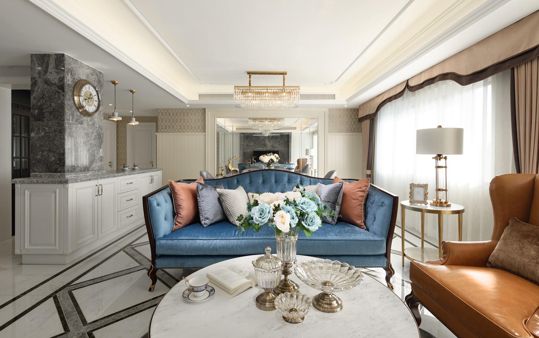 135㎡轻奢美式装修沙发设计图