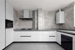 现代简约三居室厨房每日首存送20