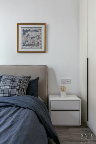 145㎡现代三居装修卧室一角
