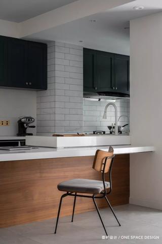 106㎡现代两居装修厨房吧台设计