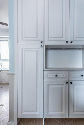 美式风格三居室装修鞋柜设计