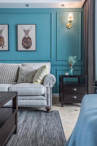 美式风格三居室装修沙发一角